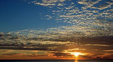 Thuyết minh Bờ biển mặt trời mọc