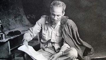 Phân tích bài thơ Tức cảnh Pác Bó của Hồ Chí Minh