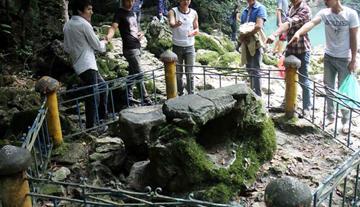 Phân tích Tức cảnh Pác Bó của Hồ Chí Minh để thấy được vẻ đẹp thơ của Người